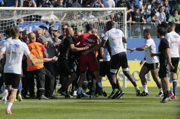Bastia-Lione: tifosi di casa aggrediscono giocatori ospiti!