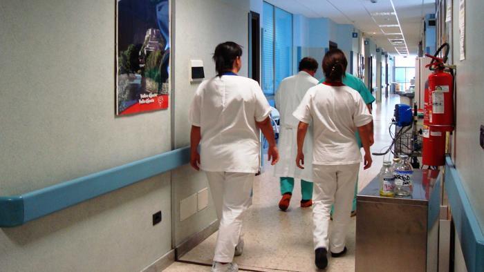 infermieri e medici in corsia