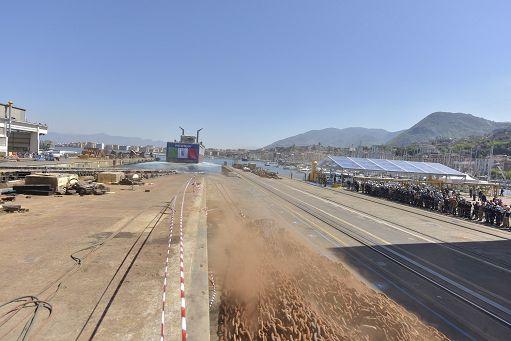 Fincantieri, il Ministro Pinotti: rinnoviamo navi Marina Militare dimensione font +