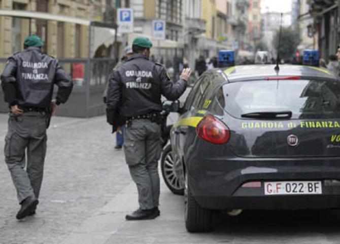 Sequestrato ad Arzano stabilimento con rifiuti speciali pericolosi - Cronache della Campania