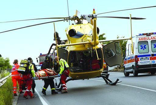 Siracusa choc, strage stradale. Morti tre giovani: anche una ragazza incinta