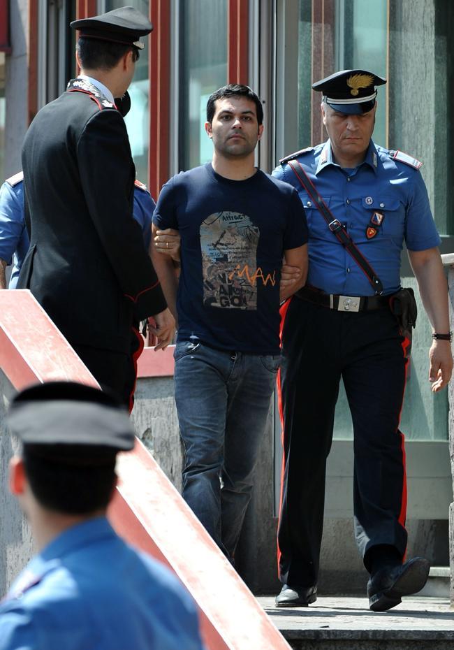 Napoli preso antonio bastone ras dello spaccio del clan for Redazione italia