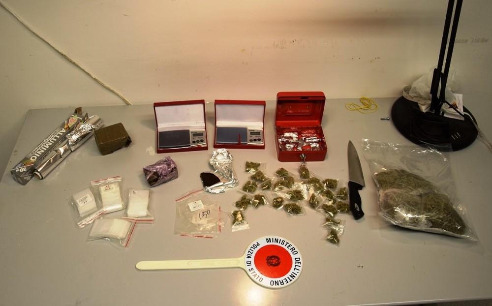 Giugliano pusher sorpreso dalla polizia con la droga nel - Arte casa giugliano ...