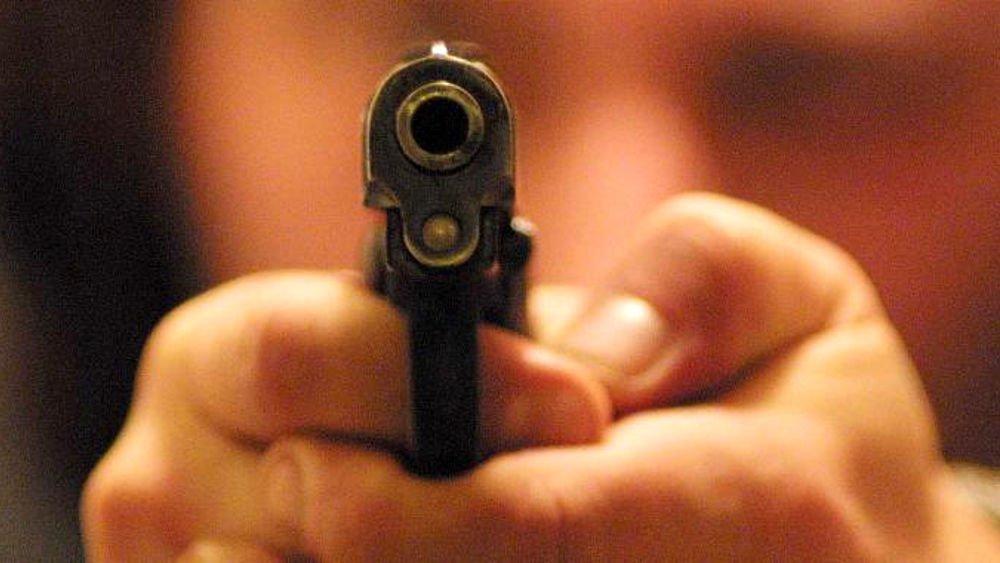 Napoli, bimba trovata morta in auto: forse vittima di abusi