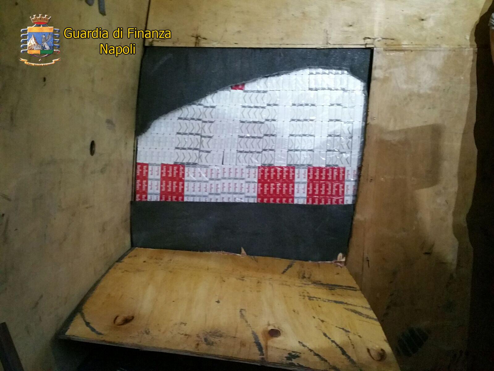 Guardia di finanza: Sequestrati olte mille pacchetti di sigarette di contrabbando