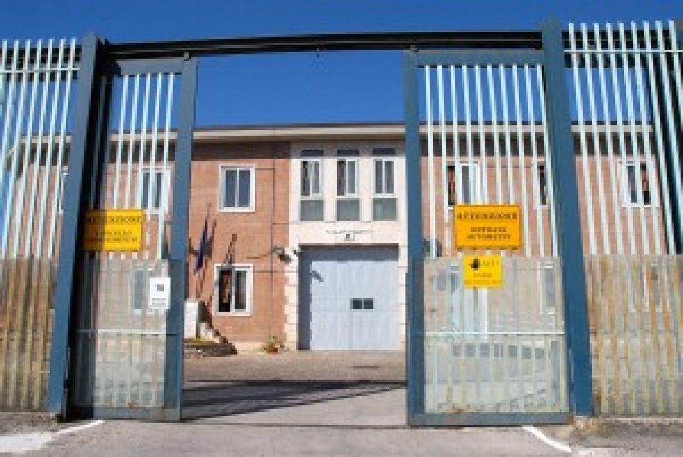 Carceri: ancora droga e telefonini a Bellizzi Irpino