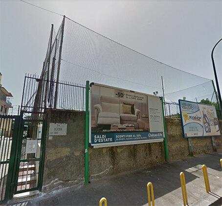 Cade palo della luce: ferito un 17enne a Napoli