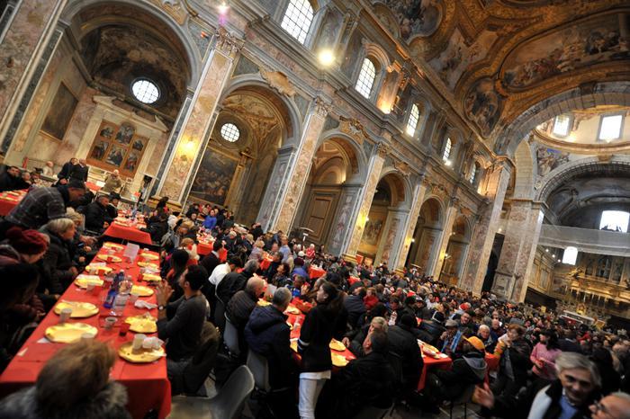 Natale Comunita Di S Egidio Pranzo Per 1200 A Napoli E In Campania