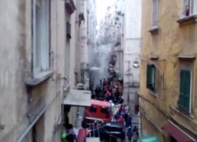 Incendio in un'abitazione a Napoli, morta una donna