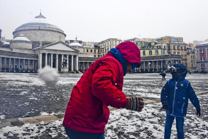 Neve: anche Rimini prolunga la chiusura delle scuole