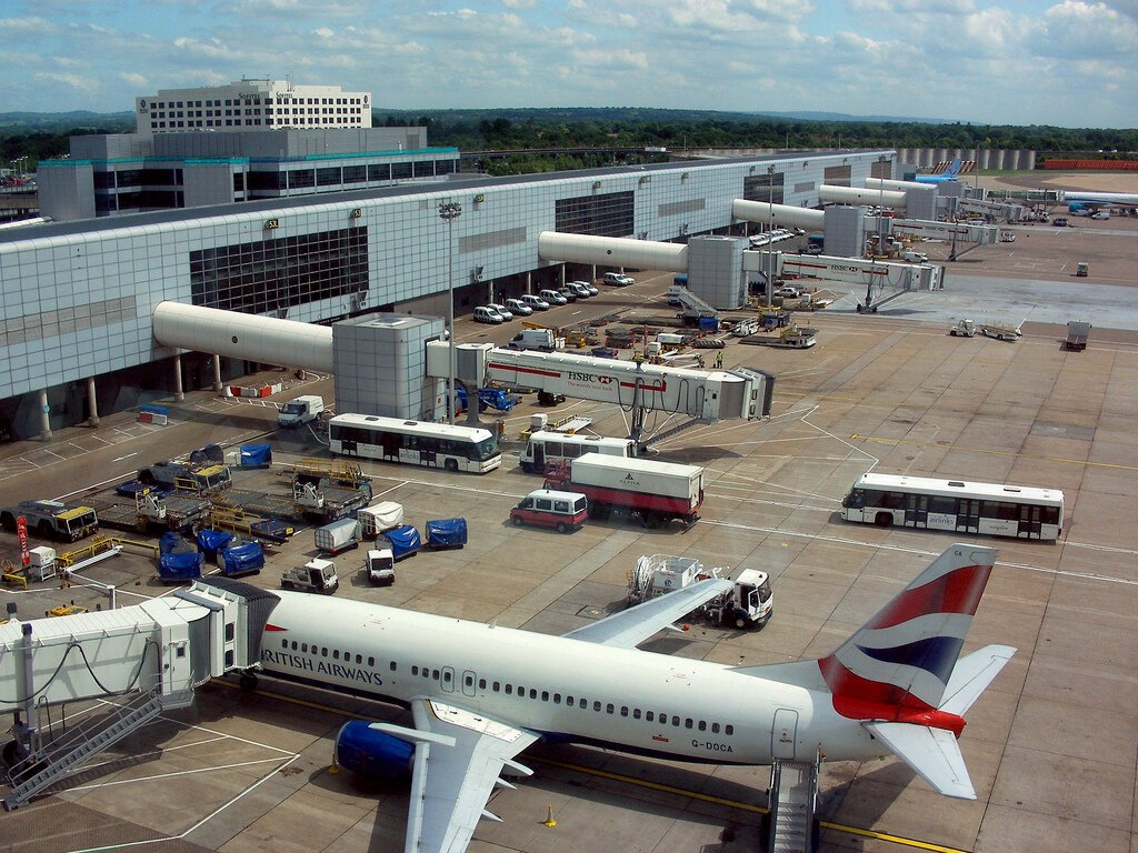 Atterraggio di emergenza a Londra per un volo proveniente da Napoli