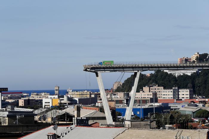 Genova, l'annuncio del giornalista inglese fa infuriare il web