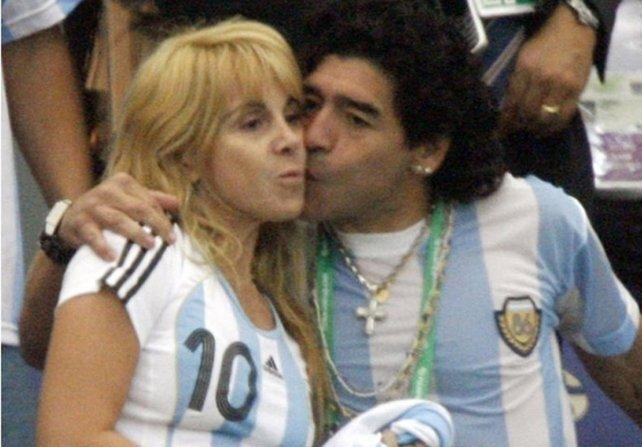 L'ex moglie di Maradona denuncia El Pibe: 'Umiliata e ...