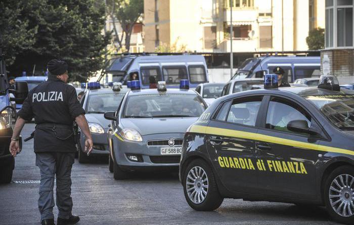 polizia ps 113 guardia di finanza gdf fiamme gialle 117