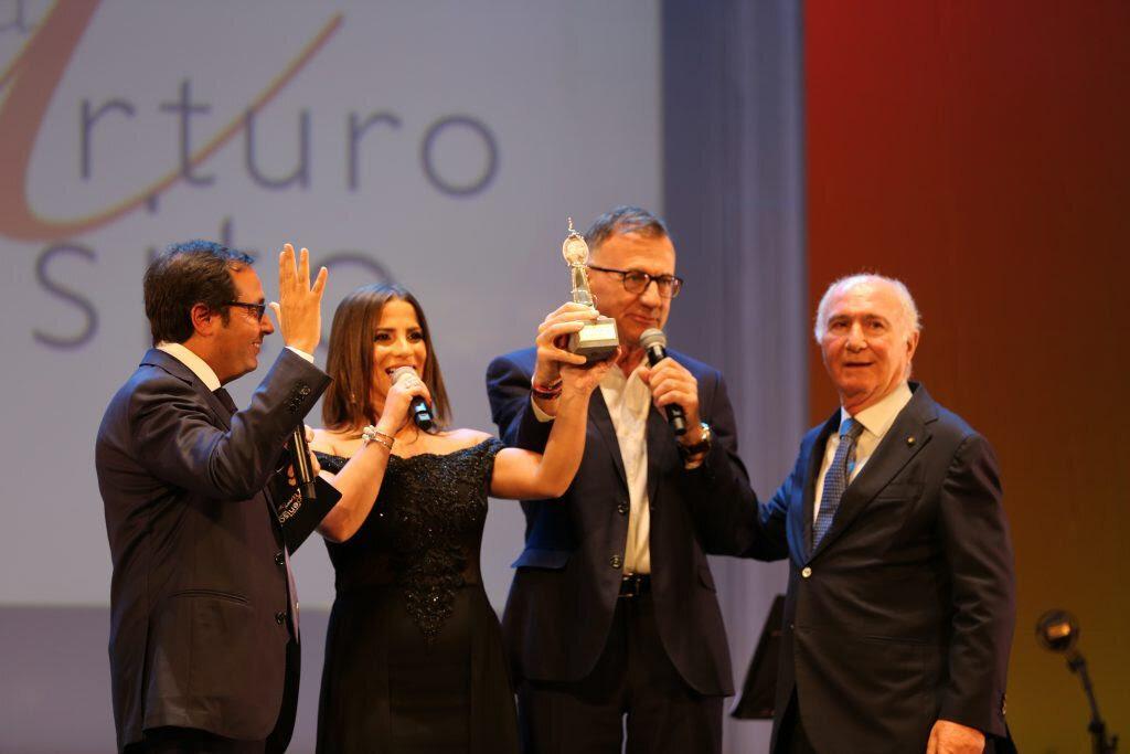premio, A Michele Cucuzza e Anna Capasso il 'Premio Vincenzo Russo' per 'Gramigna'