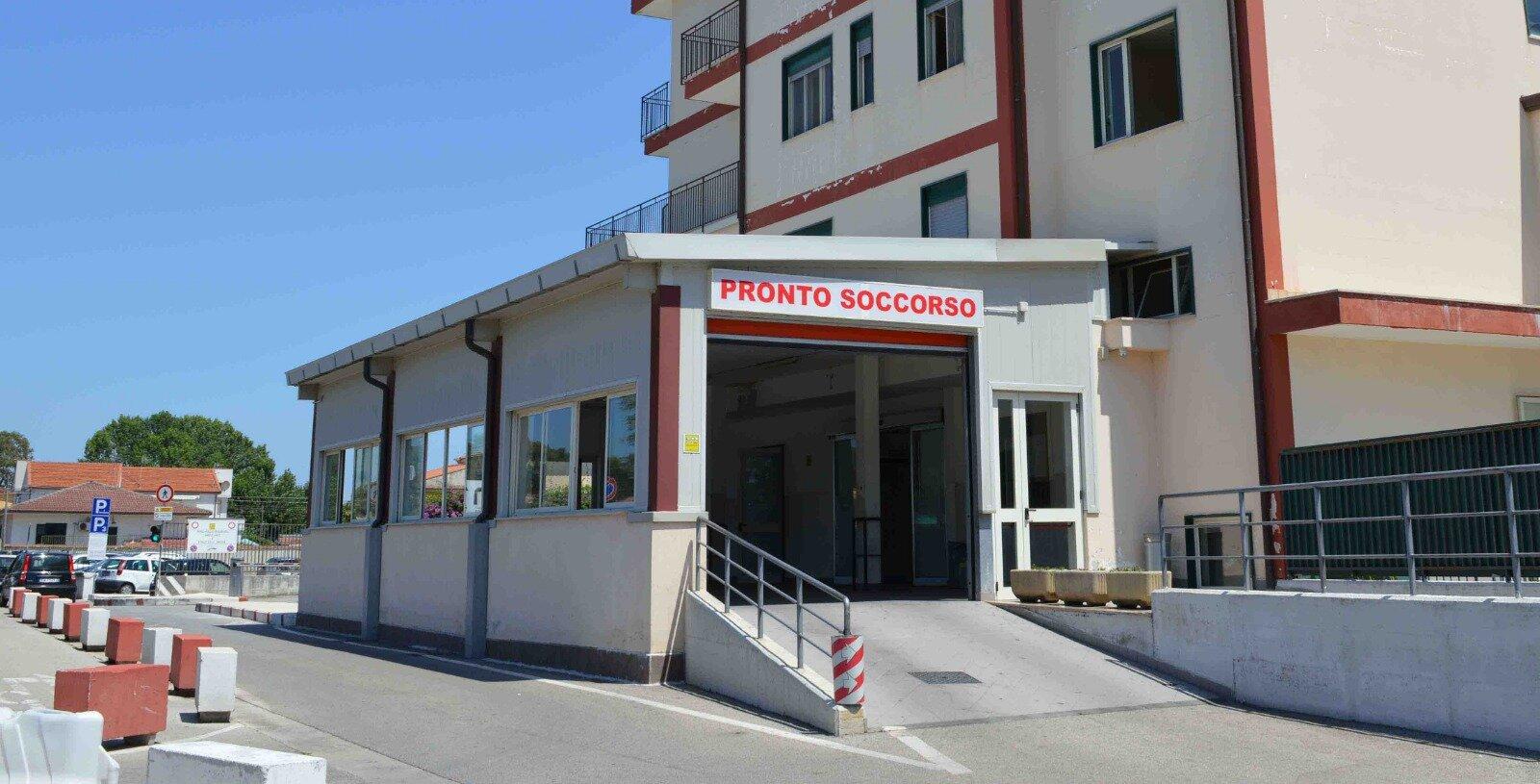 Influenza aviaria a Castel Volturno: grave un uomo, ospedale in quarantena