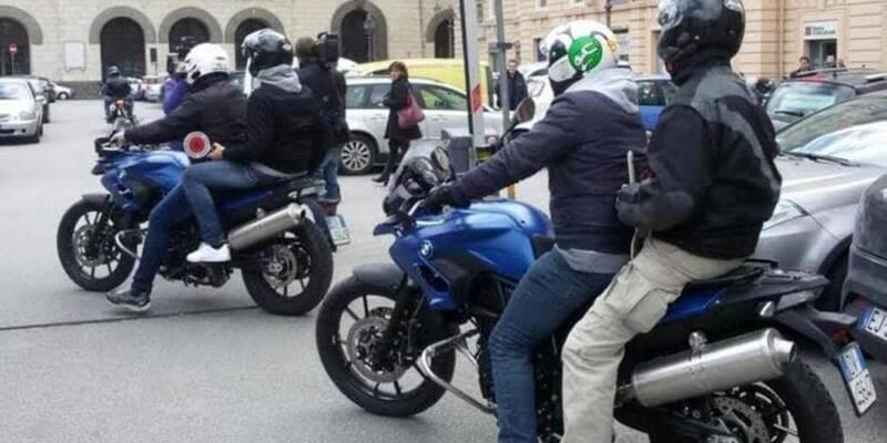 napoli, Napoli, spaccio di eroina tra i vicoli del Centro: arrestati due uomini