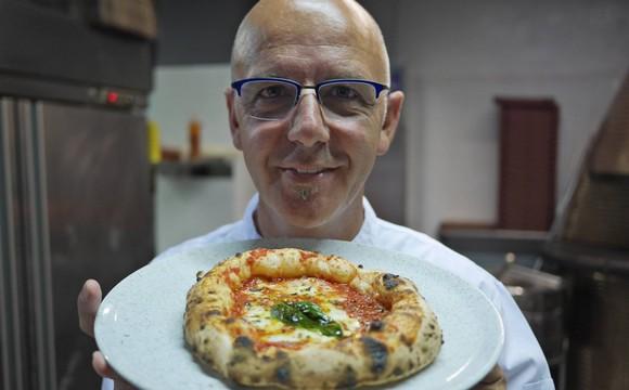 Franco pepe, Il pizzaiolo casertano Franco Pepe nominato 'Cavaliere della Repubblica'