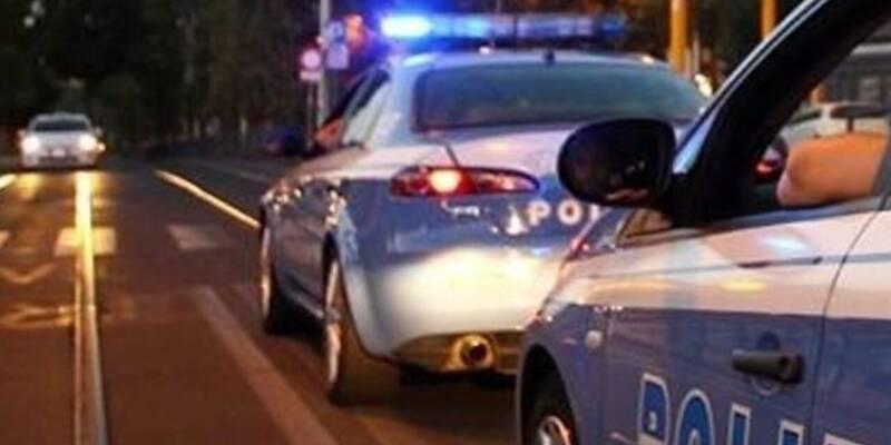 Napoli Arenaccia arrestati, Napoli, in giro all'Arenaccia per spacciare: arrestati in due
