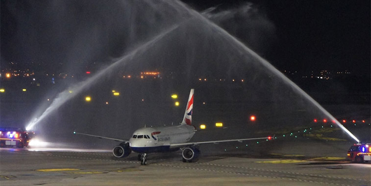 British Airways, paura in volo: atterraggio d'emergenza a Valencia