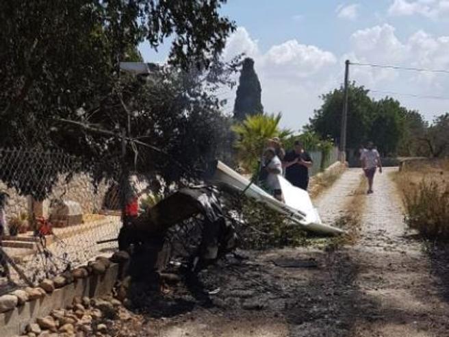 Scontro tra elicottero e ultraleggero a Maiorca: morto un italiano