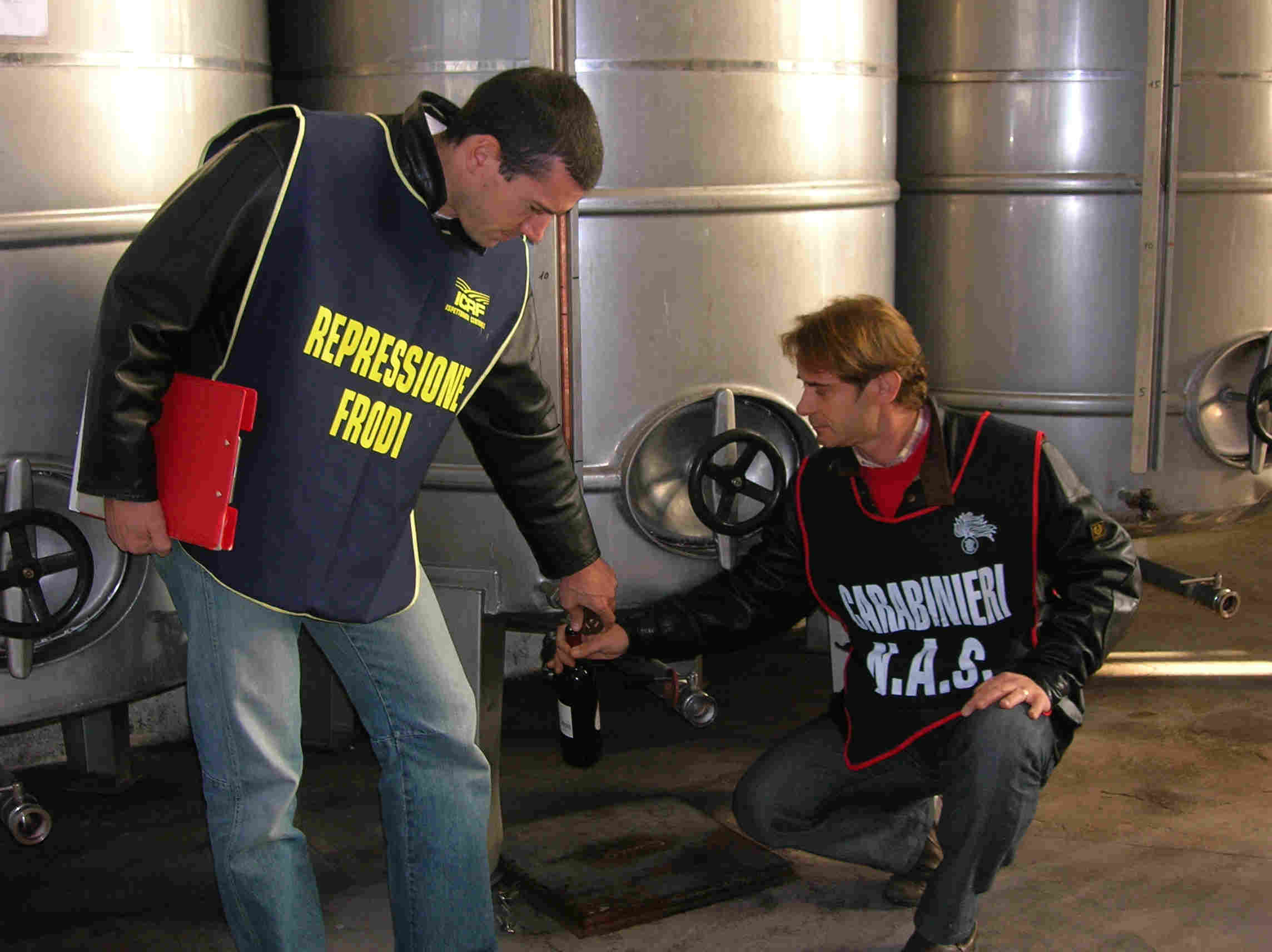 Frode olio, arresti in Toscana e Puglia