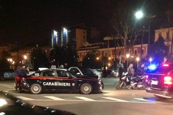 Napoli i carabinieri presidiano la movida: