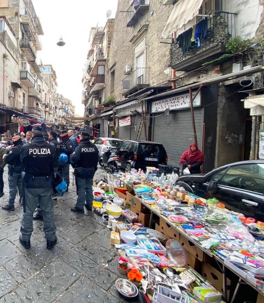 Napoli controlli Buvero