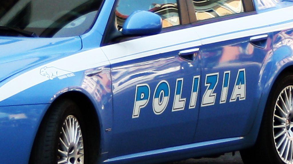 evade dagli arresti domiciliari con auto sottoposta a fermo