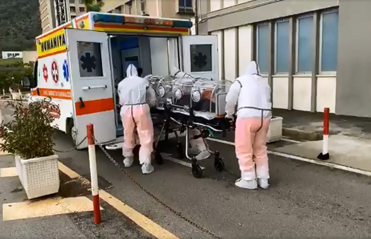 minacciati i medici dell'ospedale di Salerno