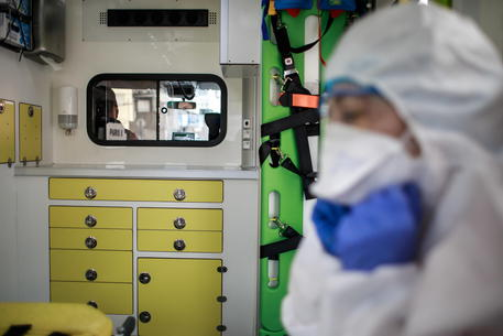 Spagna: raddoppiano i contagi. I medici: 'Si rischia nuovo collasso'