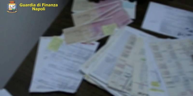 castellammare usuraio, Castellammare, l'usuraio arrestato per un prestito di 65mila euro aveva incassato oltre 300mila euro e l'assunzione della moglie