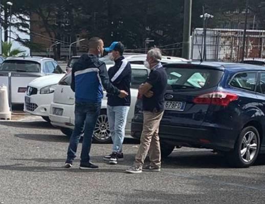 parcheggiatori abusivi, Napoli, tre parcheggiatori abusivi denunciati dalla polizia