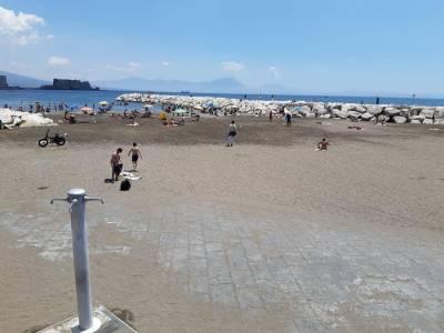 Sopralluogo dei Verdi sulle spiagge libere della I Municipalità