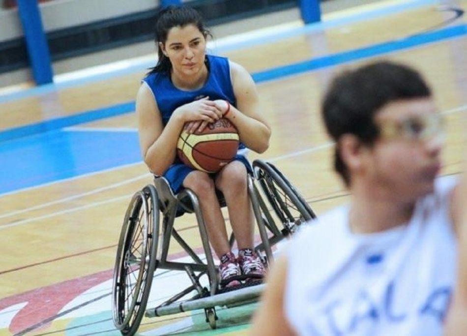 giocatrice paralimpica aggredita