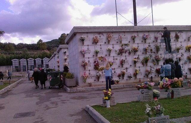 Arresti cimitero battipaglia