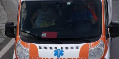 napoli sequestra l'ambulanza