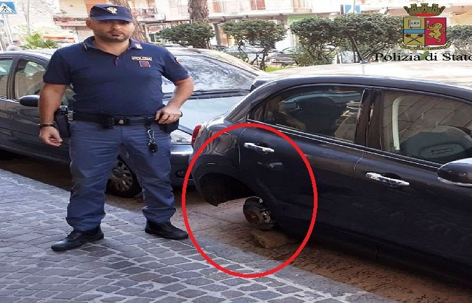 furti pneumatici napoli polizia