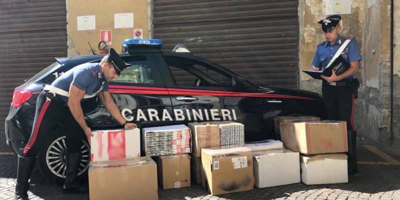 napoli-carabinieri-sigaretta