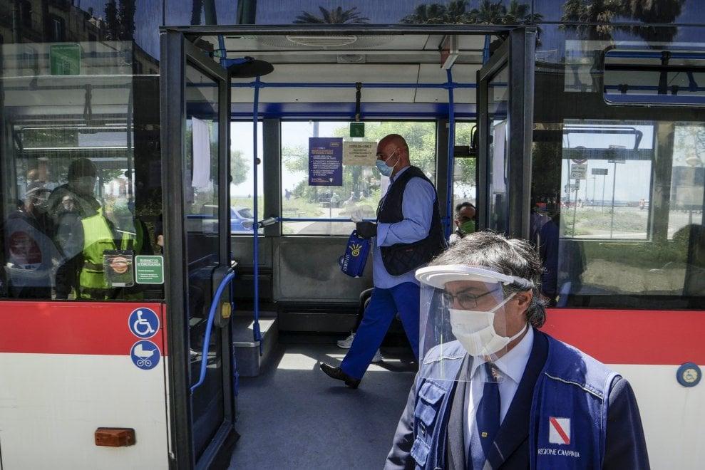 napoli mascherine bus