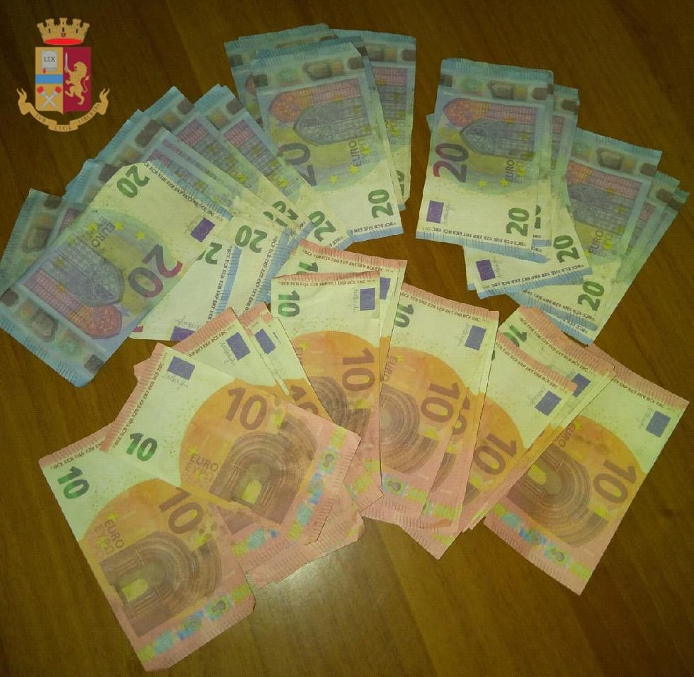 soldi falsi barra