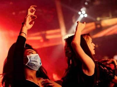 mascherine nelle discoteche