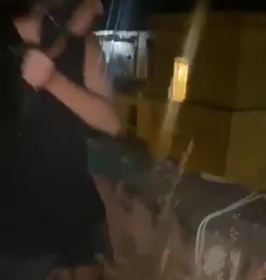 immondizia dal balcone