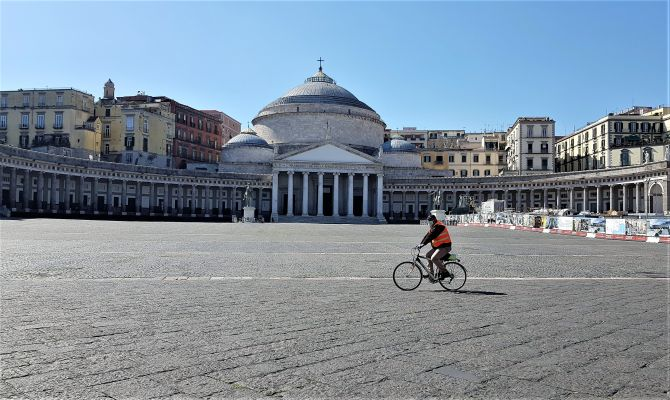 immunologa Viola,chiudere Lombardia e Campania