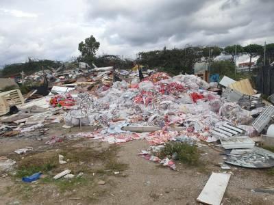 qualiano rifiuti campo rom