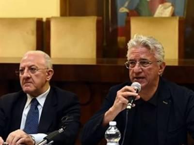 Il sindaco di Salerno 'obbedisce' a De Luca