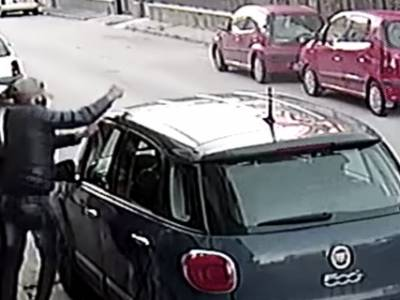 crispano furto auto