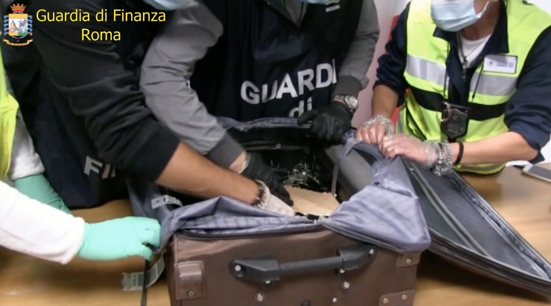 Sequestrati 52 chili di cocaina ed eroina
