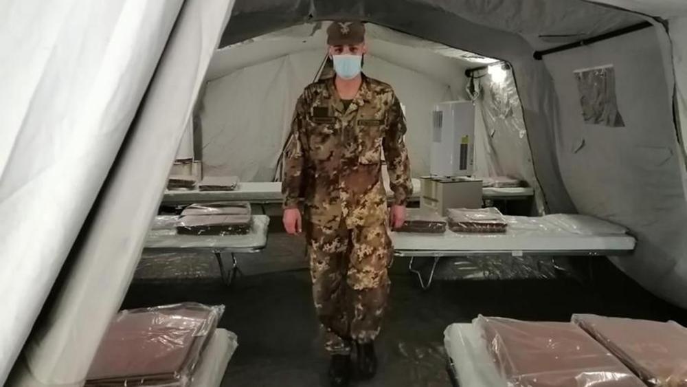 Cardarelli di Napoli,tenda dell'esercito