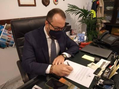 Il sindaco di Castellammare scrive a Conte e chiede la zona rossa